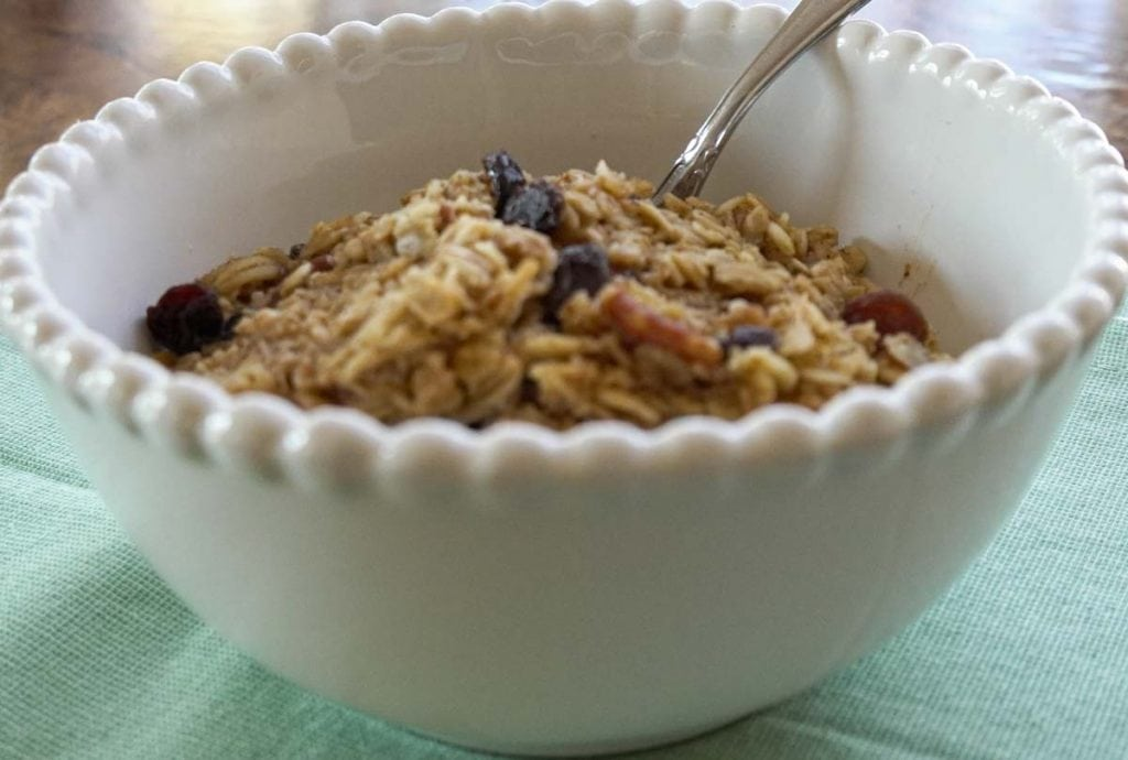 Baked Apple Oatmeal with Pecans and Raisins