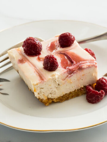 low carb raspberry swirl cheesecake on plate