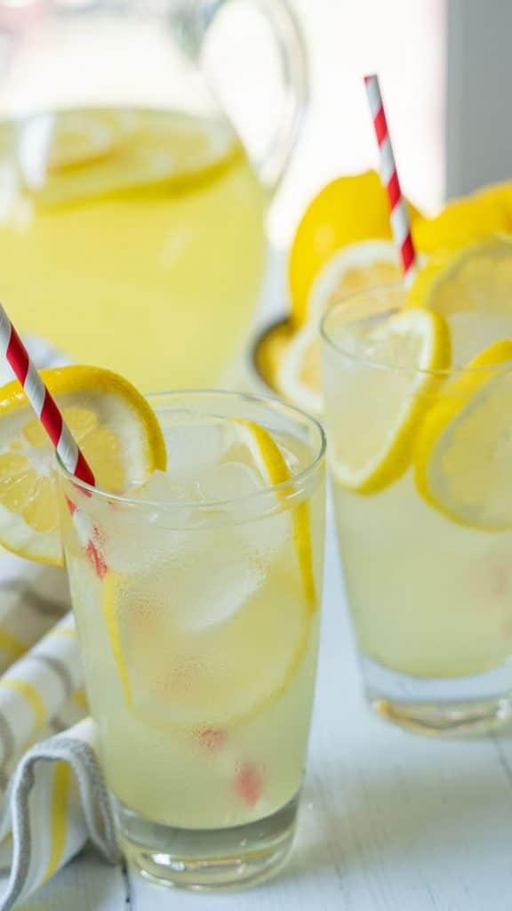 Pitcher and glasses of keto lemonade.