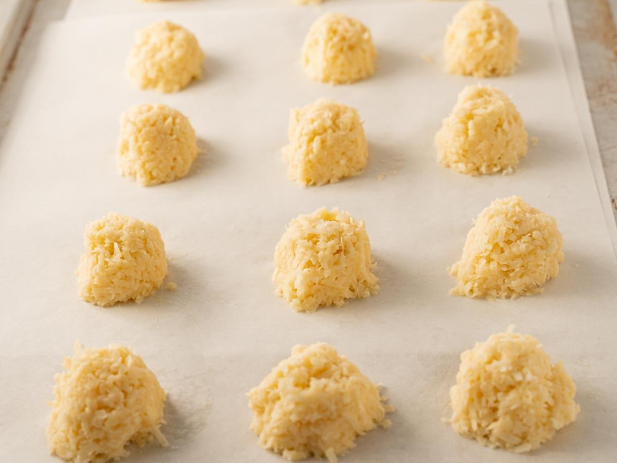 unbaked keto coconut macaroons on baking sheet