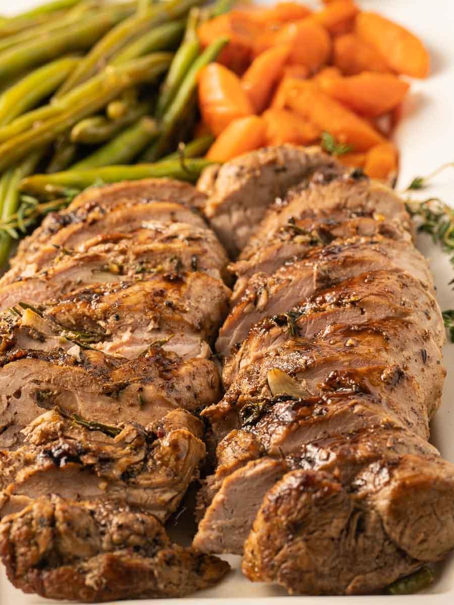keto pork tenderloin with balsamic glaze carrots and string beans