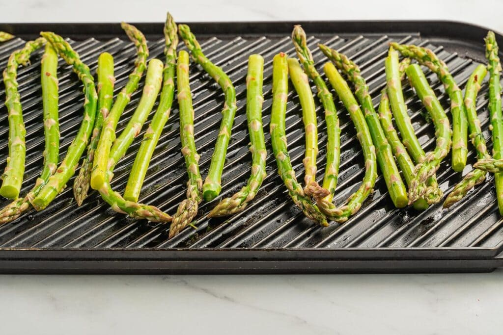 asparagus on indoor grill pan