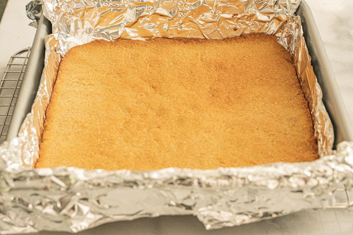 aluminum foil in pan with crust
